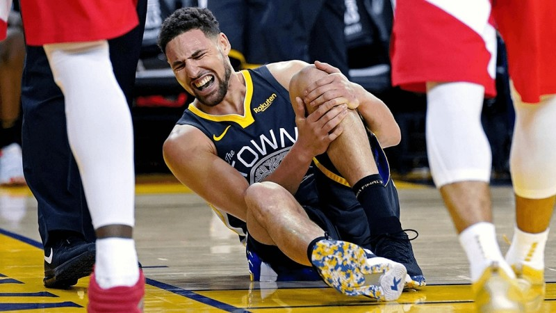 Klay Thompson suffering an ACL
