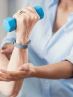 How to manage tennis elbow