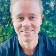 Photo of Simon Holt