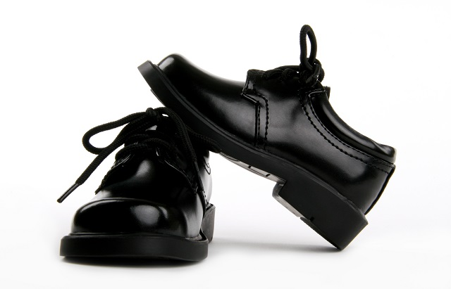 How to choose the best school shoes for children