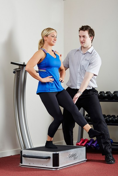 Whole body vibration therapy with a physio